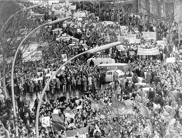 11_Demonstration_gegen_Vietnamkrieg