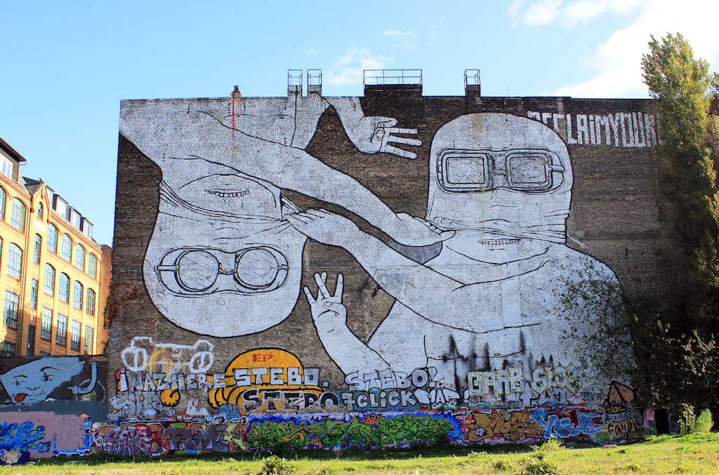 Street-Art-In-Berlin-BLU-2