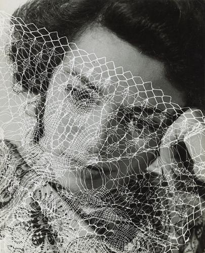 02_Lore_Kru_ger_Portra_t_1938