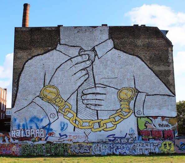 Street-Art-In-Berlin-BLU-3